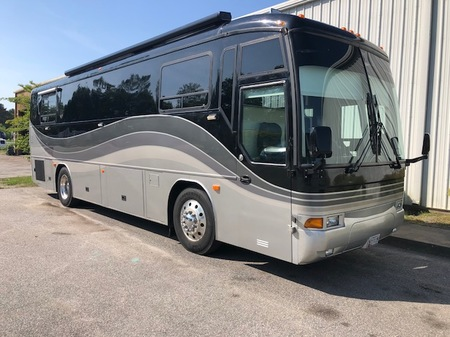 2003 MCI  F-3500 Bus for sale
