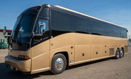 2004 MCI E4500 Bus for sale