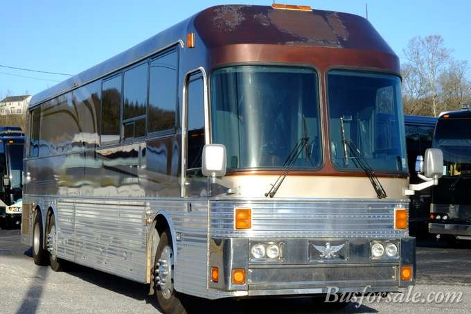 Cool  New And Used Motorhomes Tour Bus And Buses For Sale  BusForSalecom